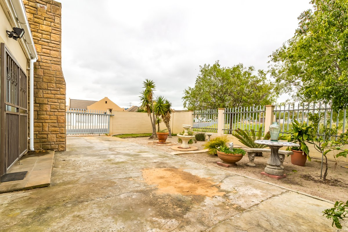 Eikenbosch property for sale. Ref No: 13681621. Picture no 20