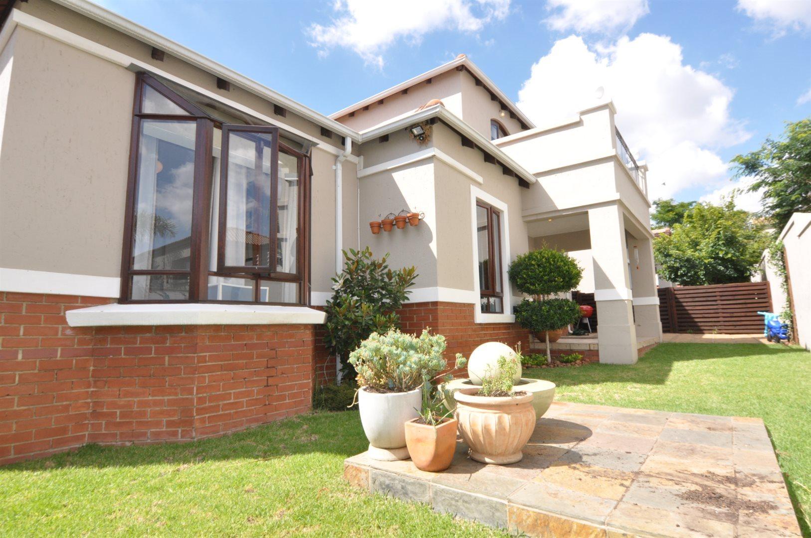 Sandton, Broadacres Property  | Houses To Rent Broadacres, Broadacres, Townhouse 3 bedrooms property to rent Price:, 13,00*