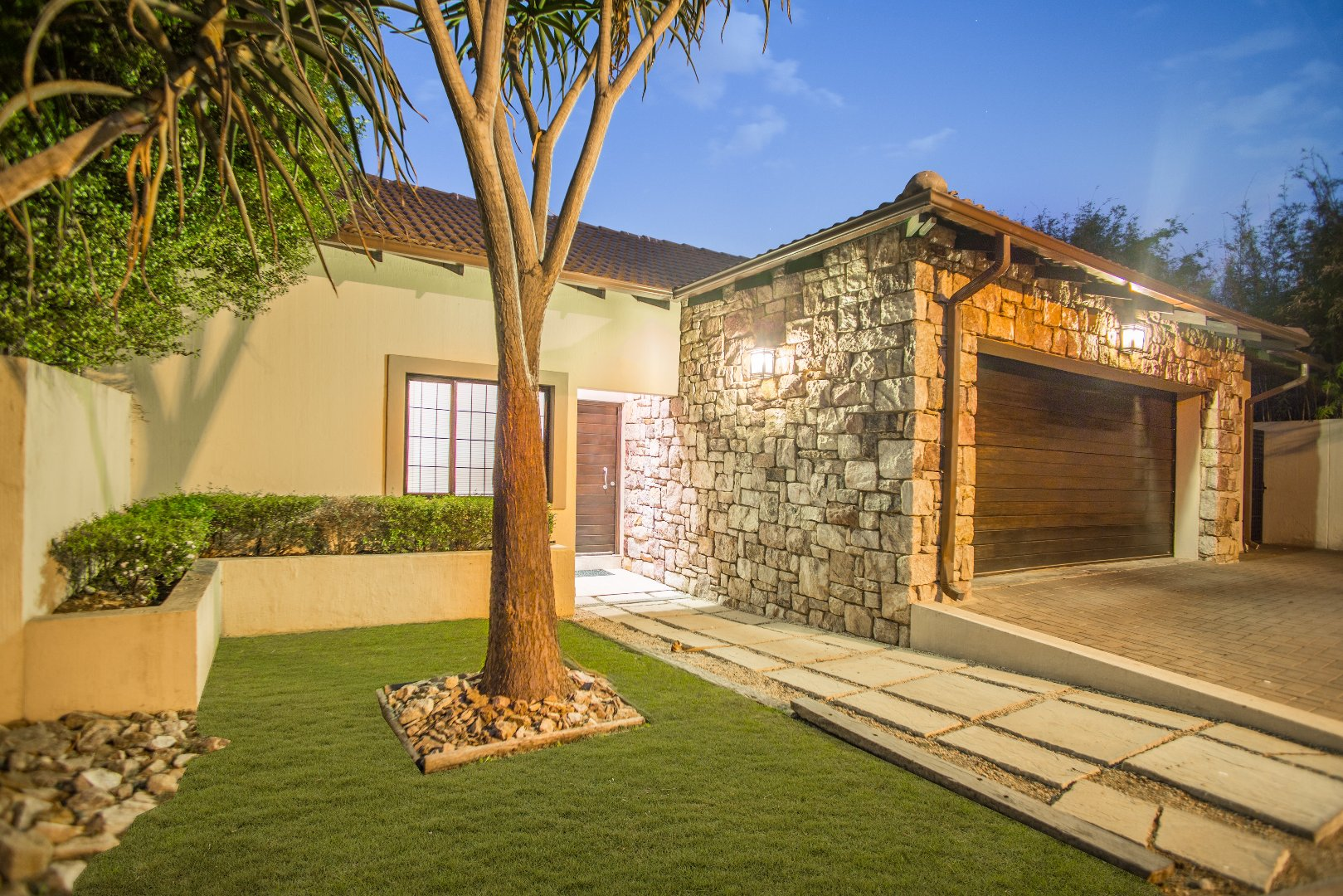 Lonehill property for sale. Ref No: 13529904. Picture no 2