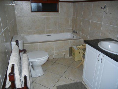 Bryanston property for sale. Ref No: 13551237. Picture no 14