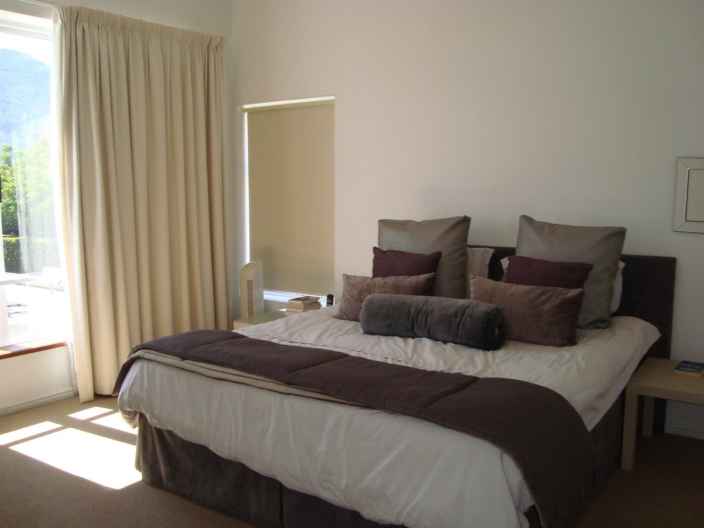 Claremont property to rent. Ref No: 13552054. Picture no 6