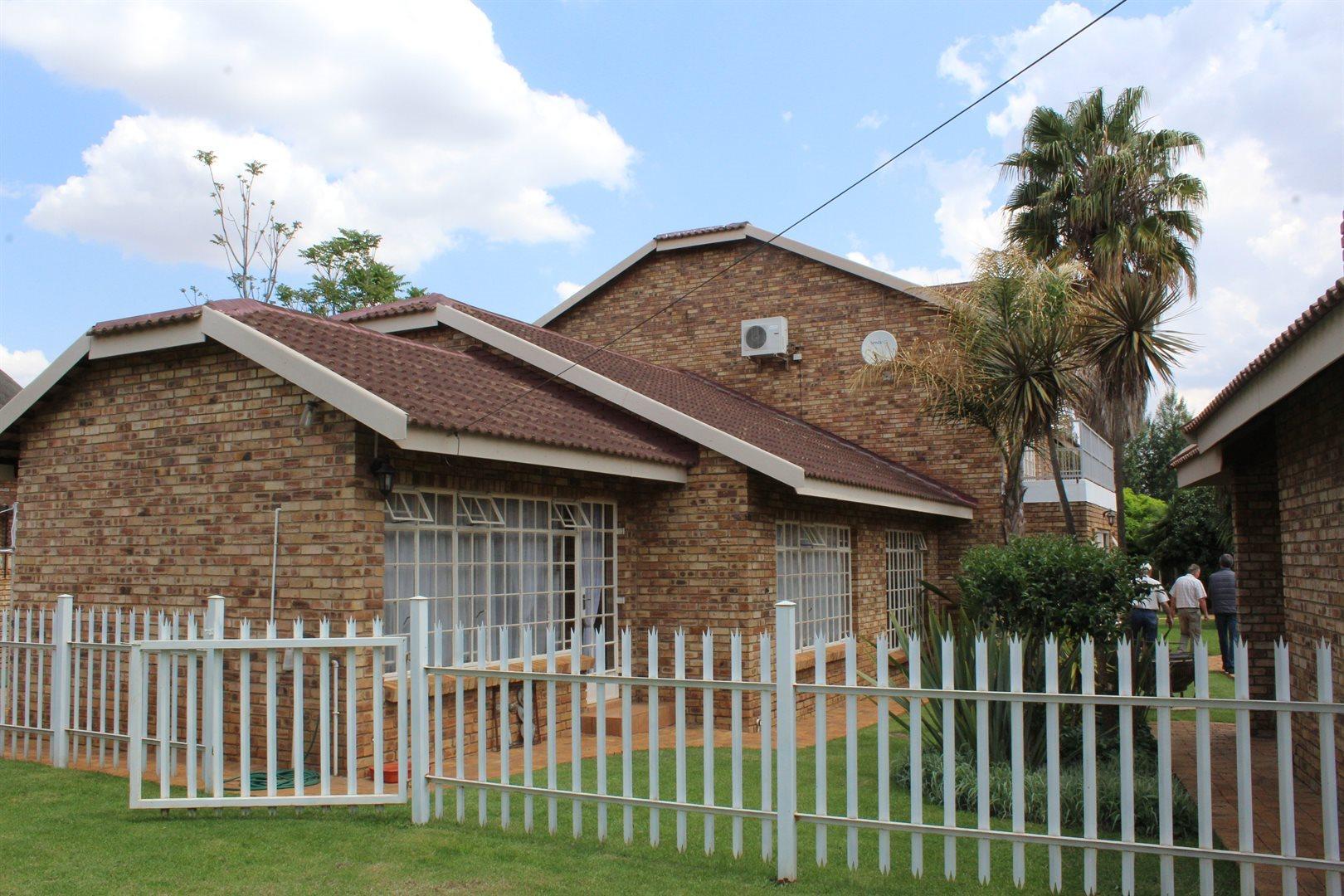 Van Der Hoff Park property for sale. Ref No: 13440444. Picture no 18