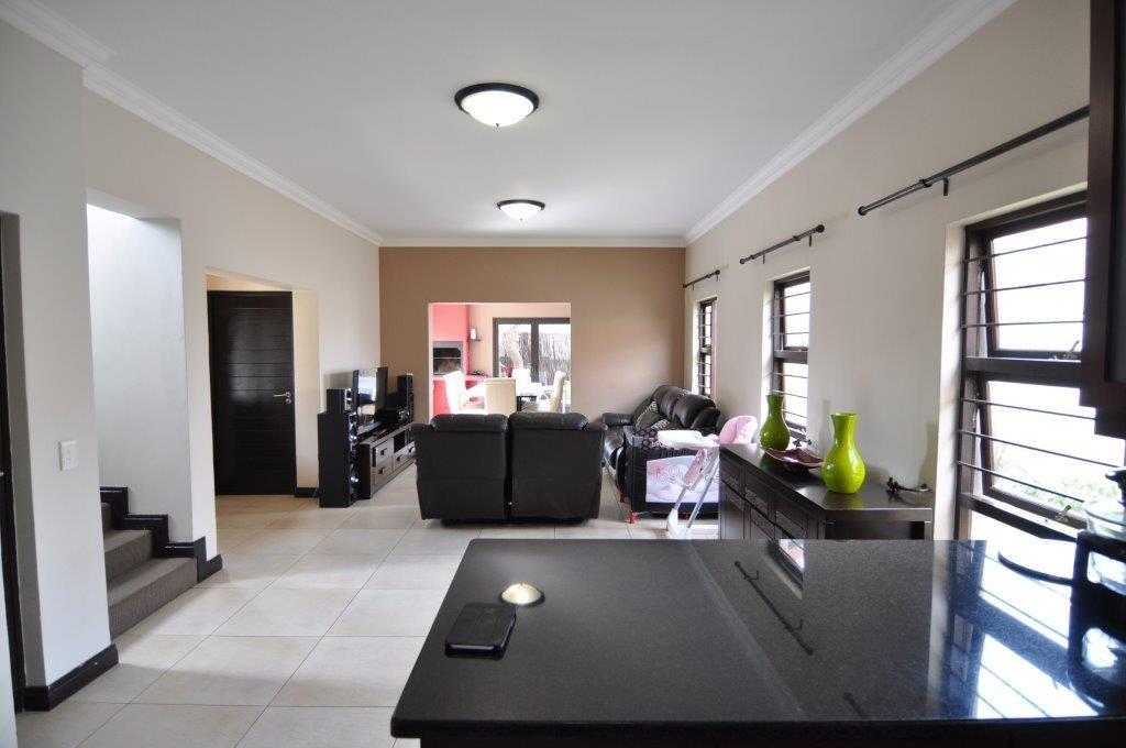 Broadacres property to rent. Ref No: 13503978. Picture no 2