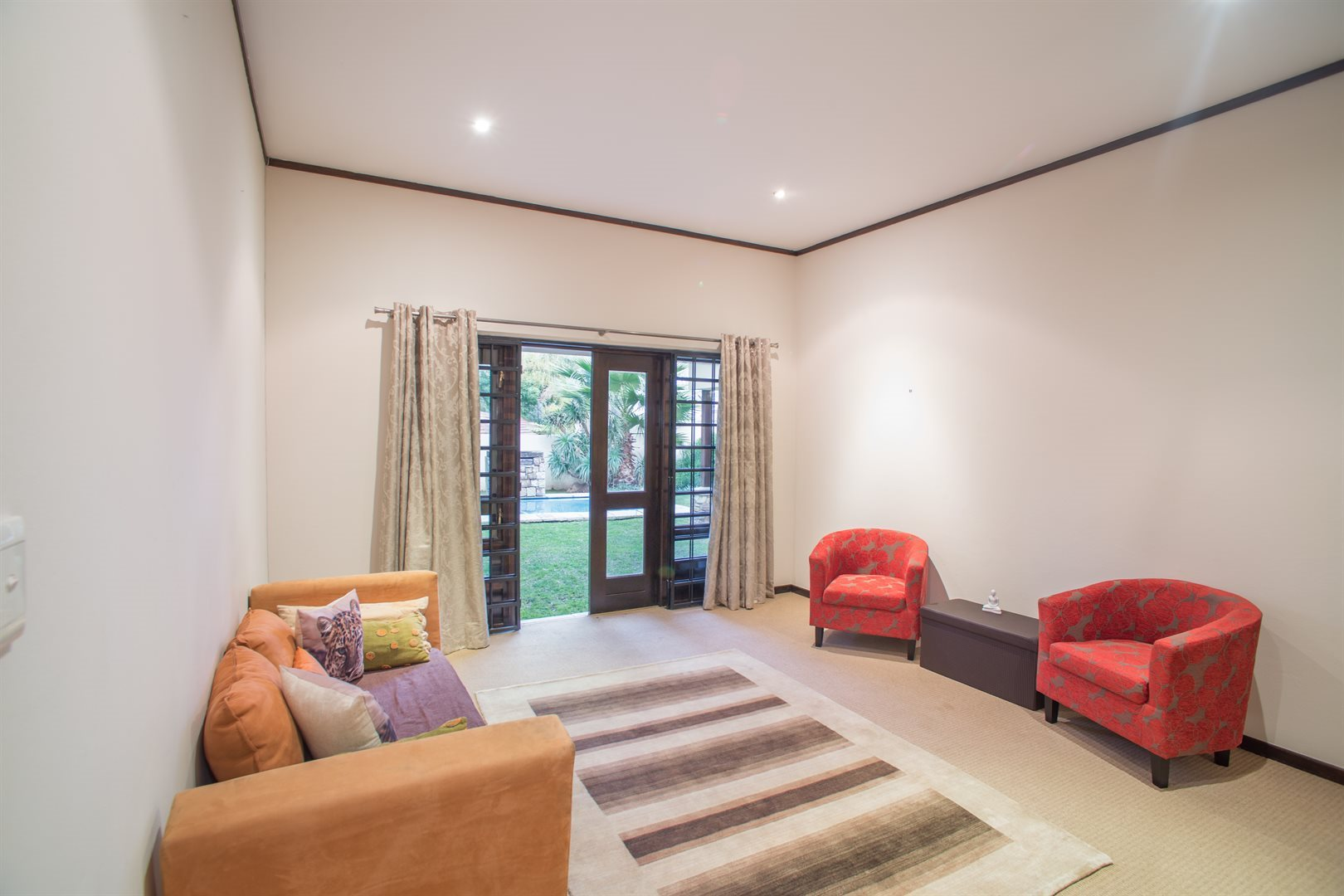 Lonehill property for sale. Ref No: 13529904. Picture no 6