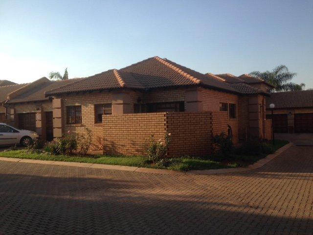 , House, 3 Bedrooms - ZAR 1,600,000