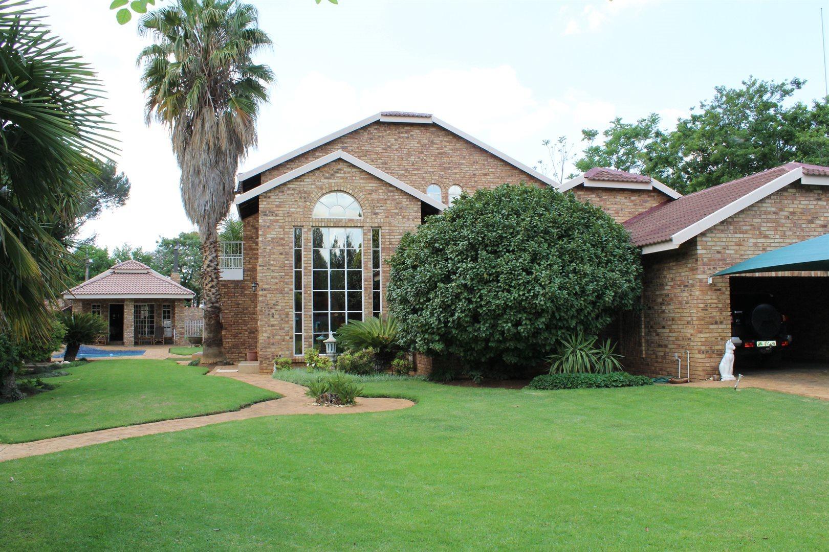 Van Der Hoff Park property for sale. Ref No: 13440444. Picture no 1
