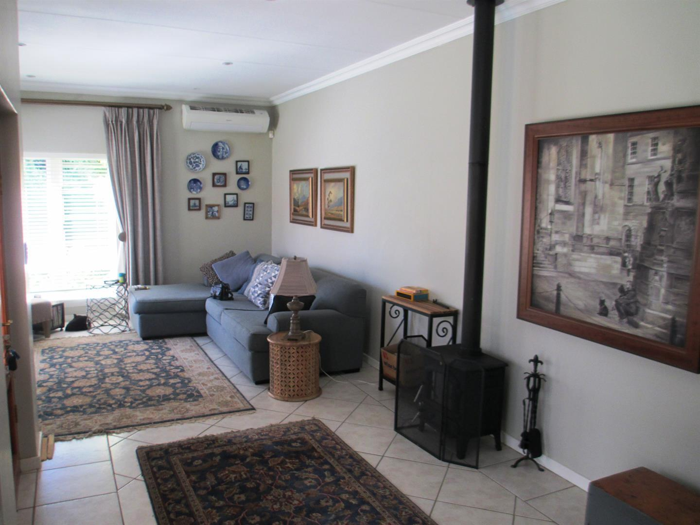 Clubview property to rent. Ref No: 13459872. Picture no 2