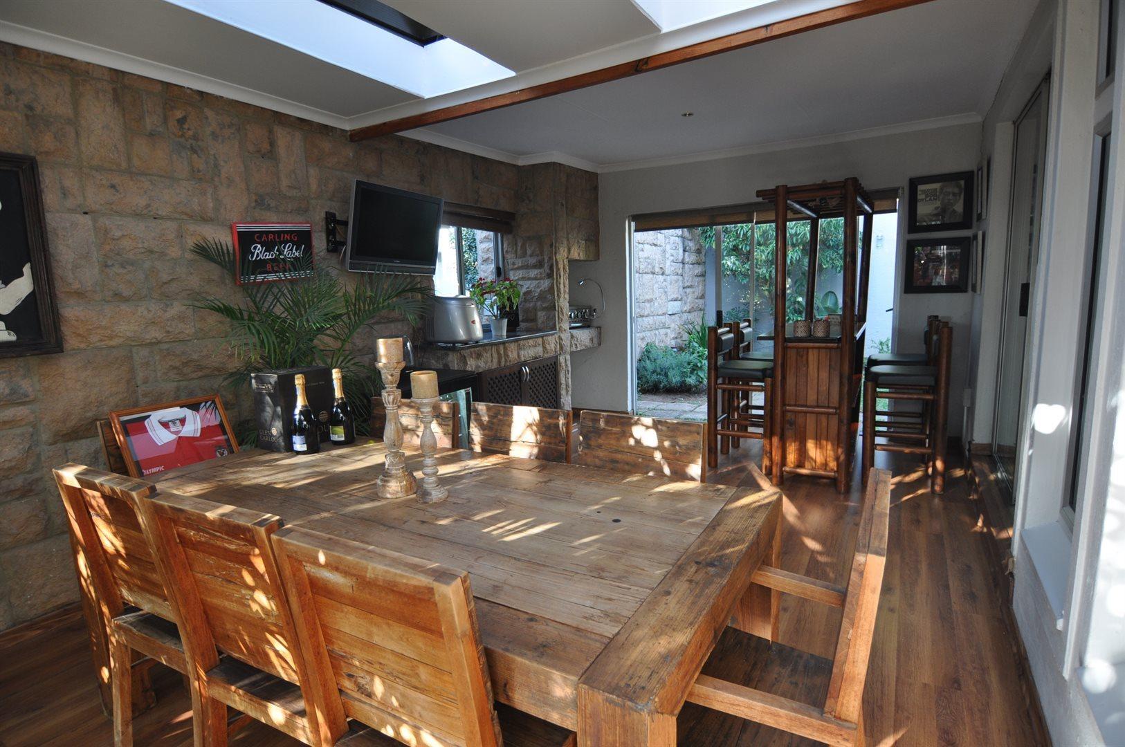Sandton, Douglasdale Property    Houses To Rent Douglasdale, Douglasdale, House 3 bedrooms property to rent Price:, 16,00*