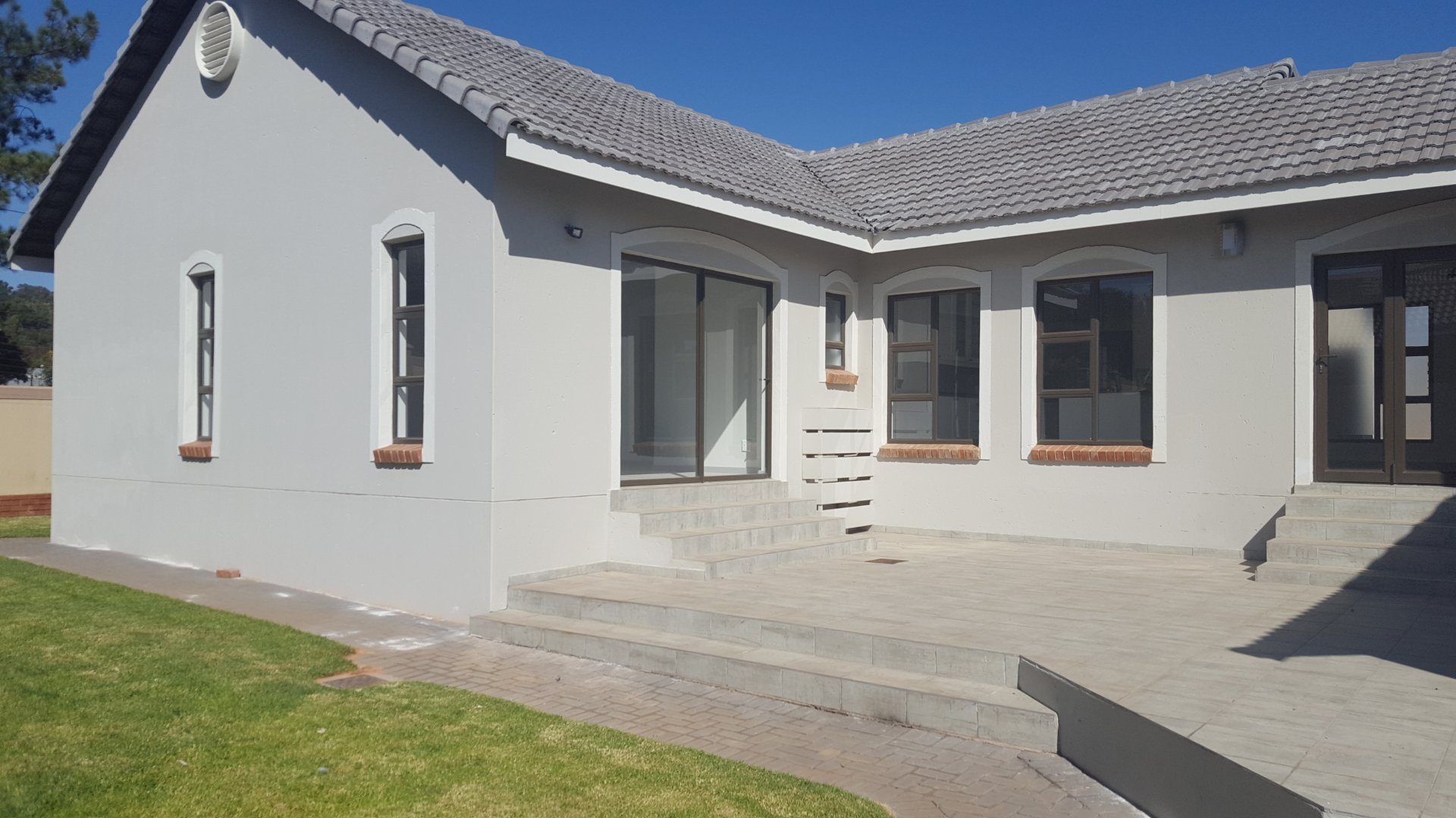 Property and Houses for sale in Rietvlei Heights Country Estate, House, 3 Bedrooms - ZAR 3,049,000