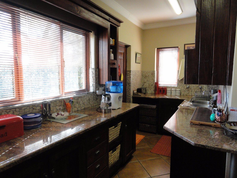 Silver Stream Estate property for sale. Ref No: 13521621. Picture no 8