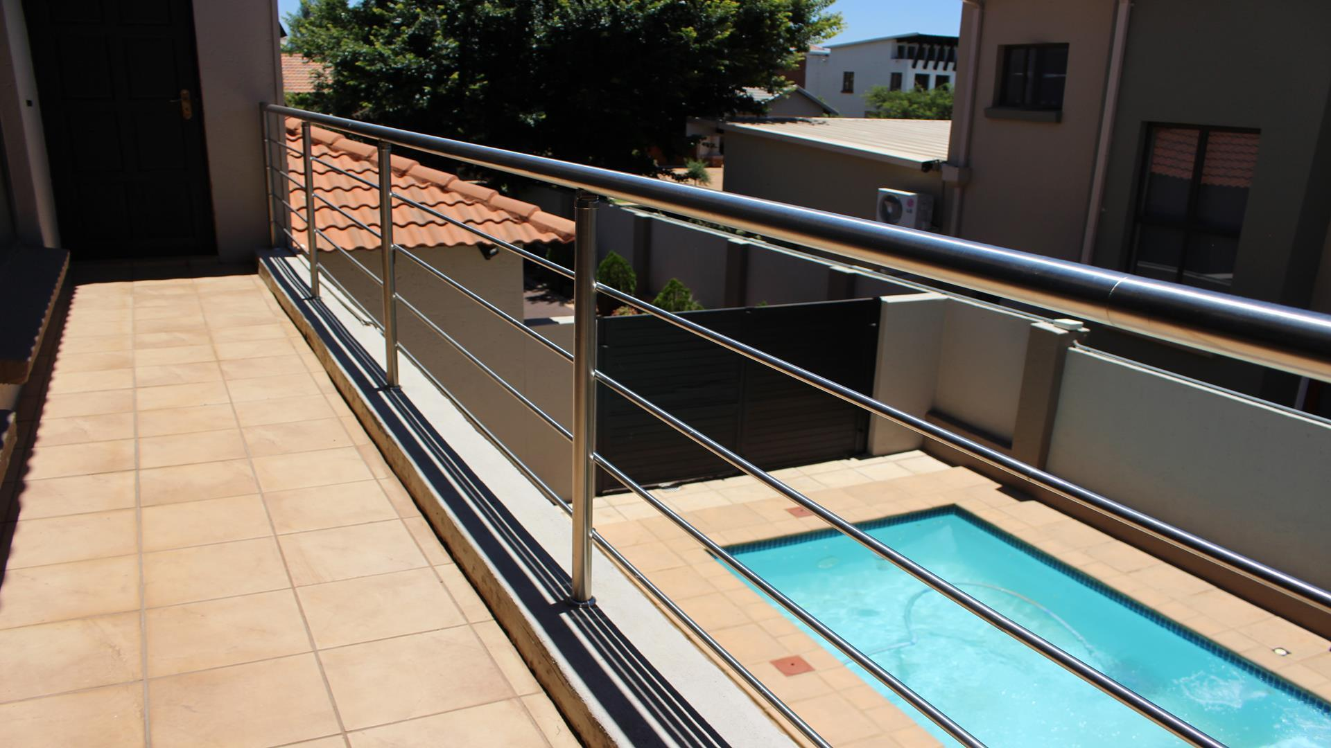 Raslouw Manor property for sale. Ref No: 13435098. Picture no 29