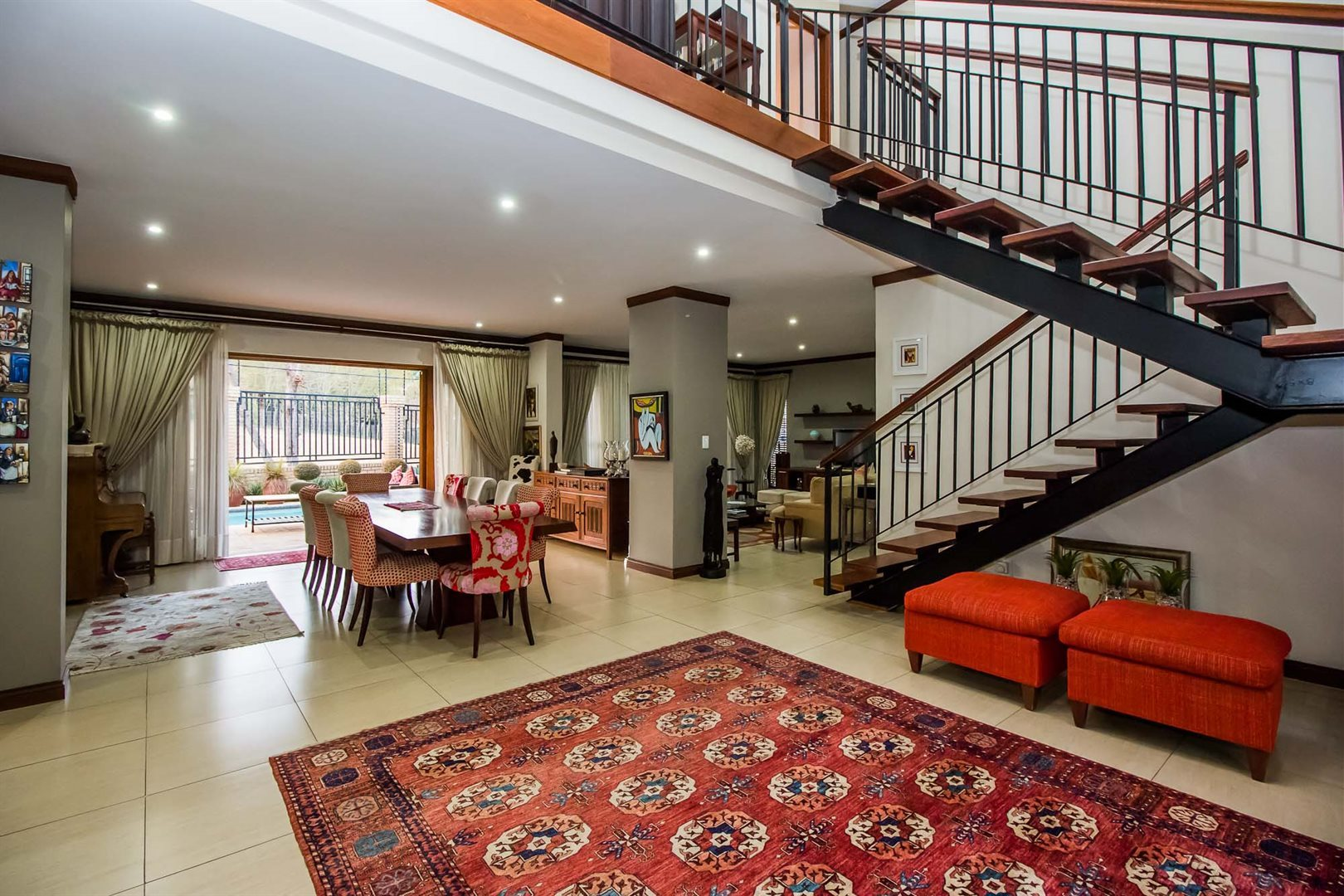 Waterkloof Ridge property for sale. Ref No: 13535230. Picture no 4