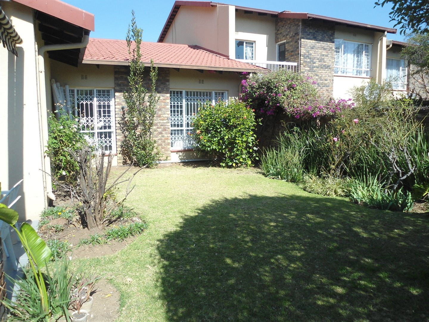 Sandton, Gallo Manor Property    Houses For Sale Gallo Manor, Gallo Manor, Apartment 3 bedrooms property for sale Price:1,850,000