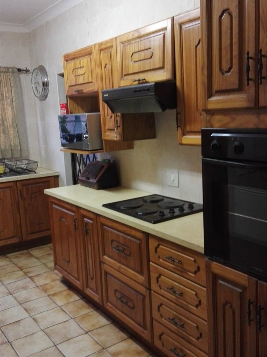 Risiville property for sale. Ref No: 13418894. Picture no 2