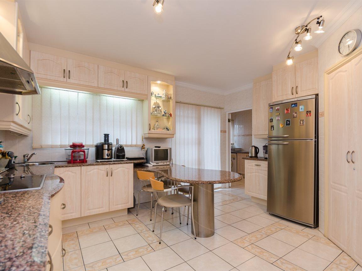 Bryanston property for sale. Ref No: 13418612. Picture no 12