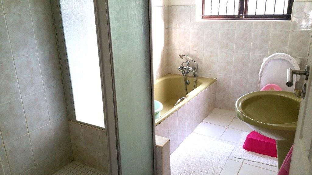 Umtentweni property for sale. Ref No: 12789831. Picture no 22