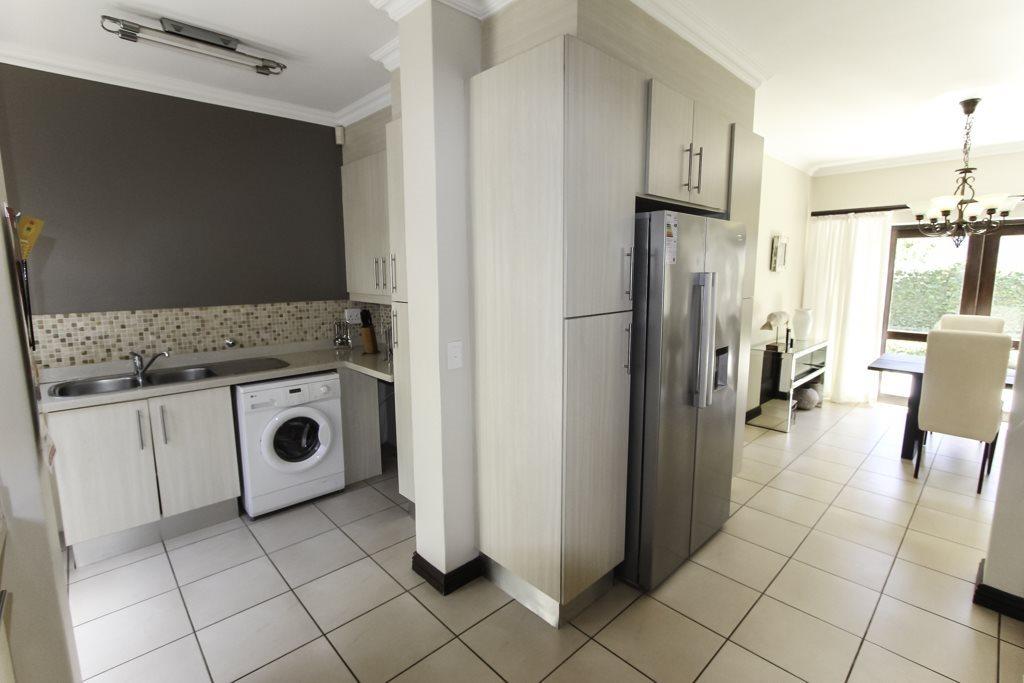 Broadacres property for sale. Ref No: 13564975. Picture no 4