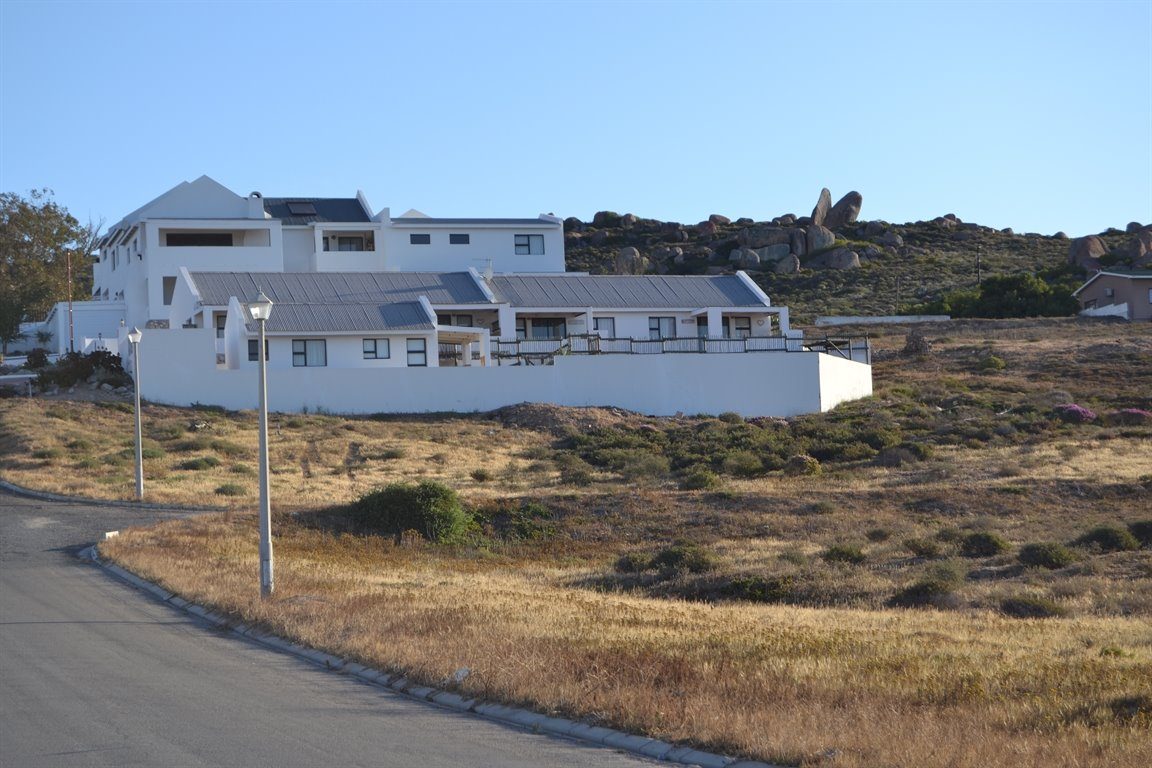 Da Gama Bay property for sale. Ref No: 13249758. Picture no 7