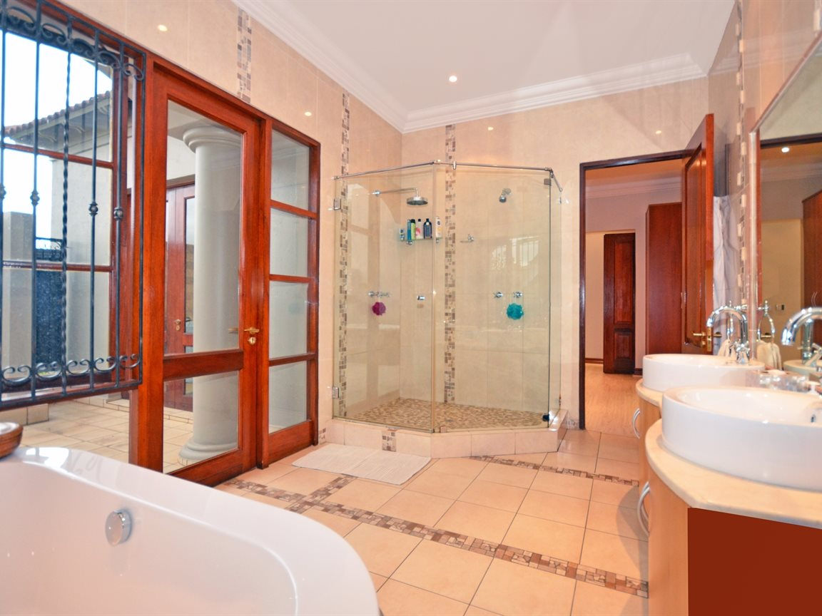 Morningside property for sale. Ref No: 13338027. Picture no 8