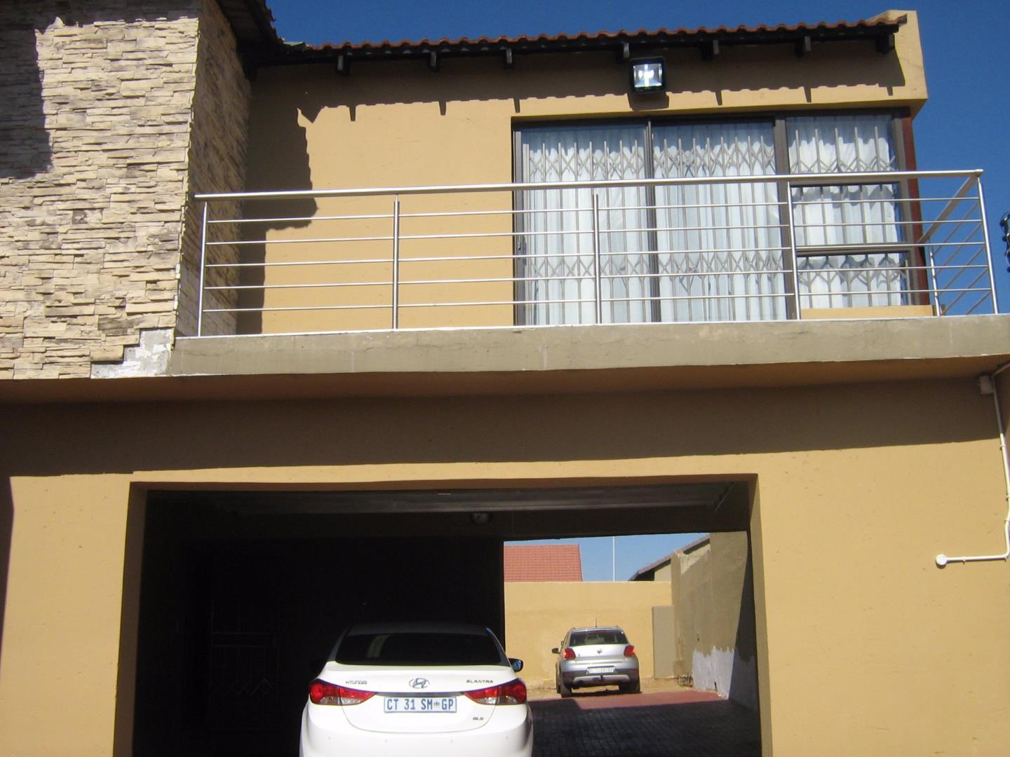 Mondeor property for sale. Ref No: 13525983. Picture no 3