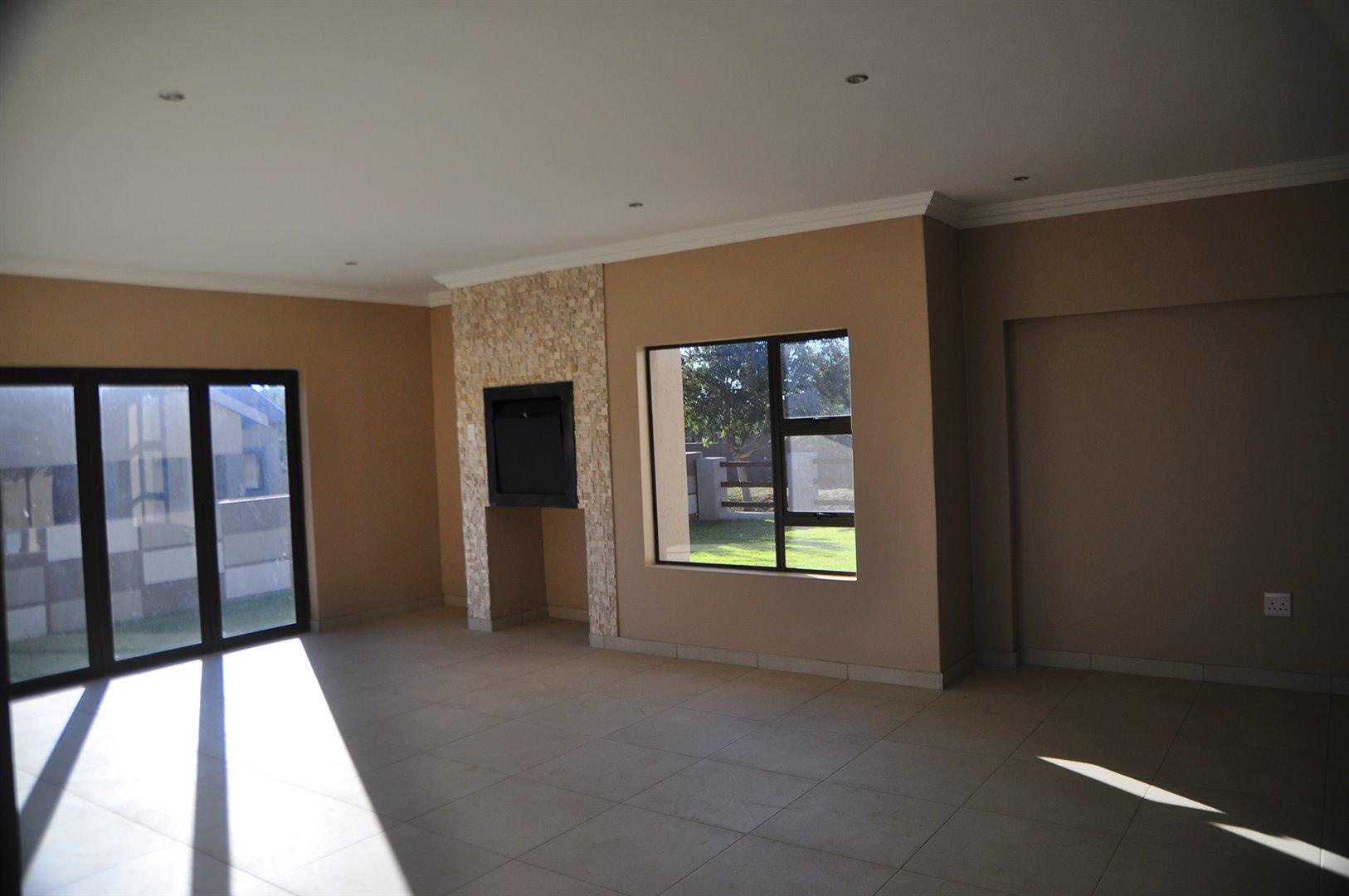 Stone Ridge Country Estate property for sale. Ref No: 13488396. Picture no 3