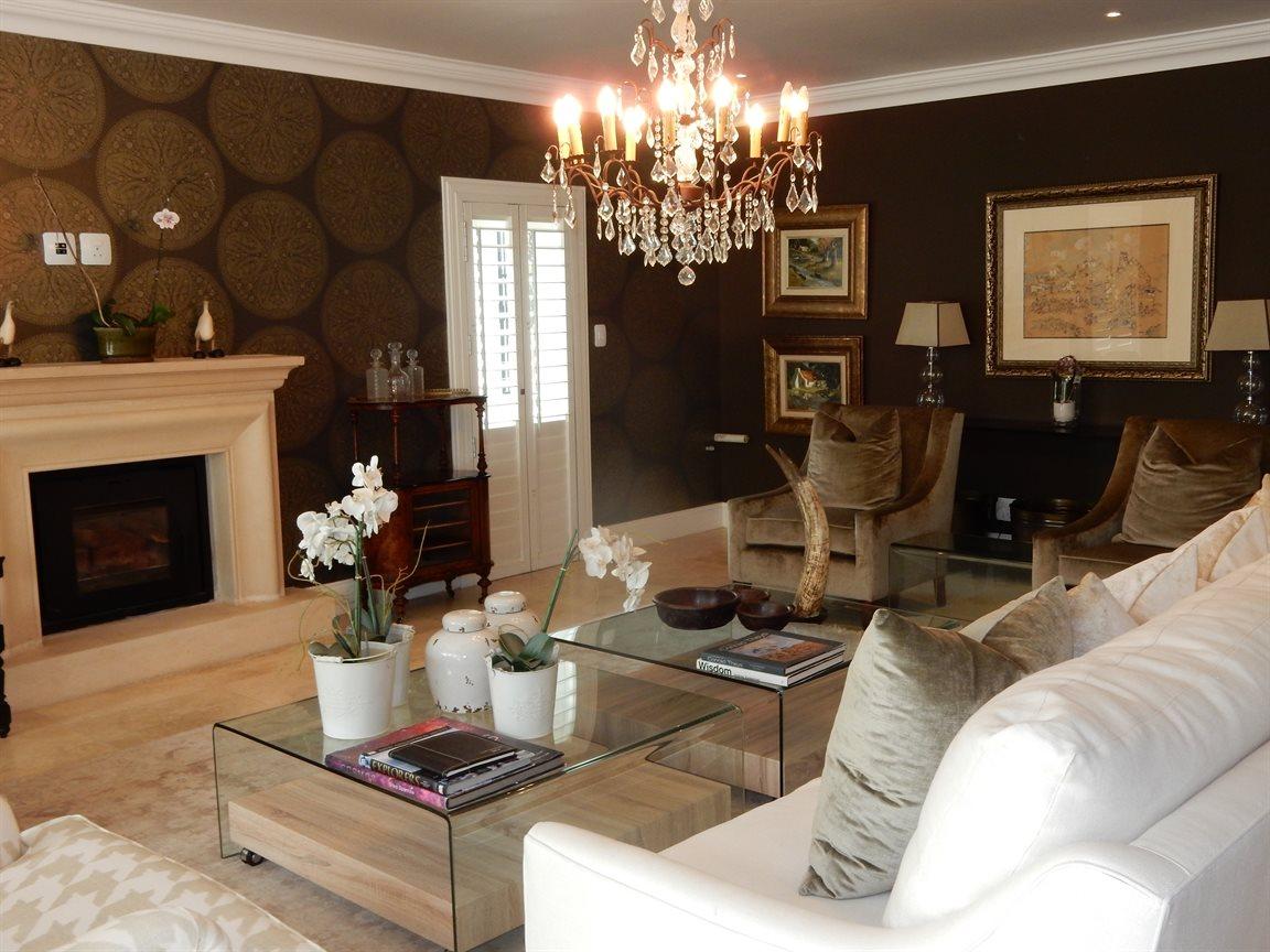 Bryanston property for sale. Ref No: 13290662. Picture no 15