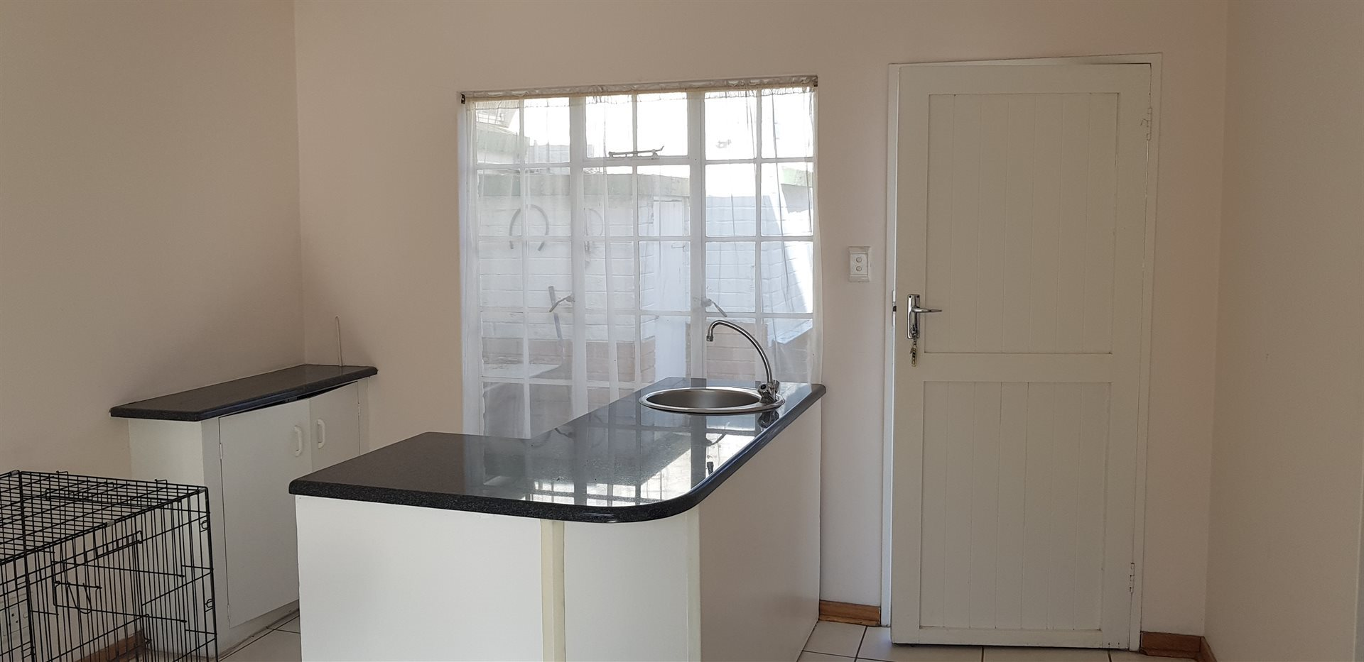 Highlands North property for sale. Ref No: 13649352. Picture no 6