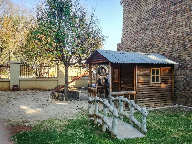 Zwartkop property to rent. Ref No: 13525797. Picture no 6