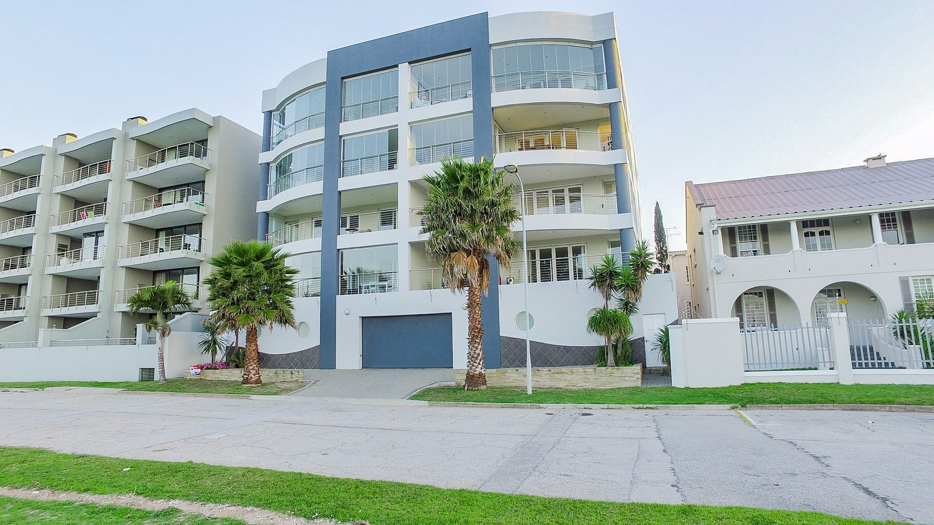 Property and Houses to rent in Eastern Cape, Apartment, 3 Bedrooms - ZAR , 26,00*,M