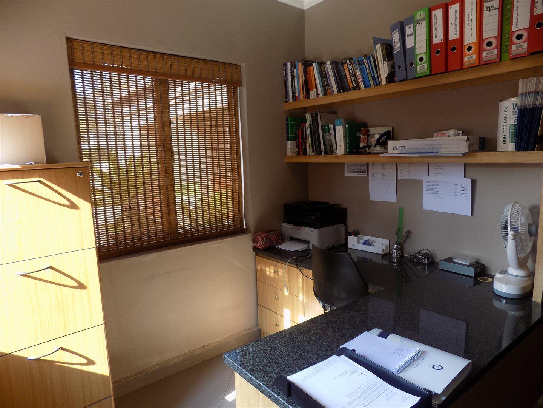 Eldoglen property to rent. Ref No: 13543361. Picture no 3