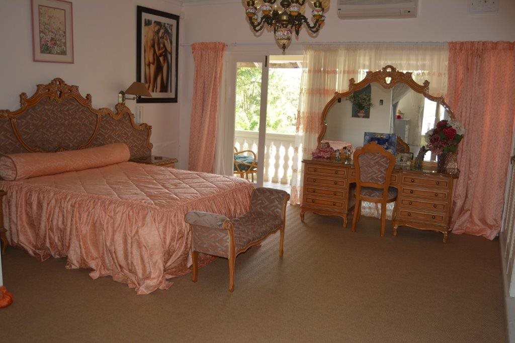 Uvongo property for sale. Ref No: 13323562. Picture no 18