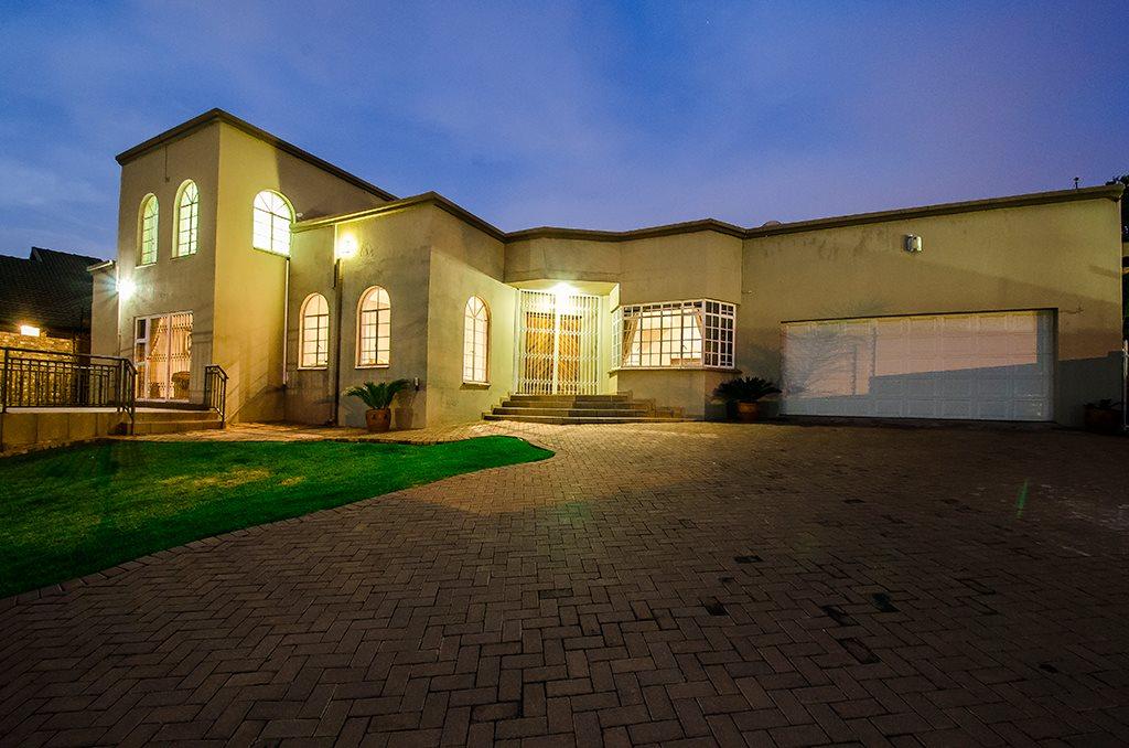 Johannesburg, Mulbarton Property  | Houses For Sale Mulbarton, Mulbarton, House 4 bedrooms property for sale Price:2,200,000