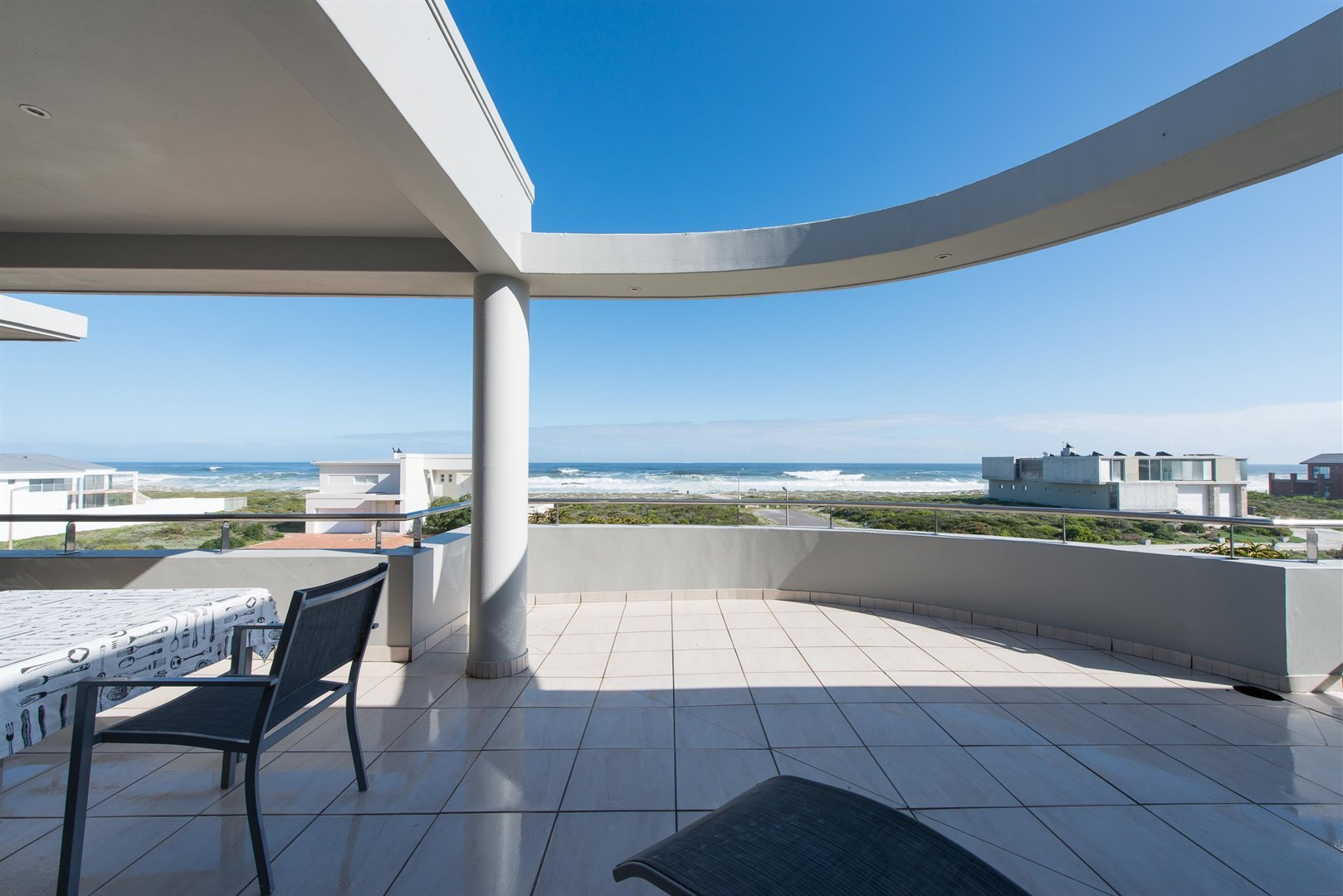 Yzerfontein property for sale. Ref No: 13373287. Picture no 4