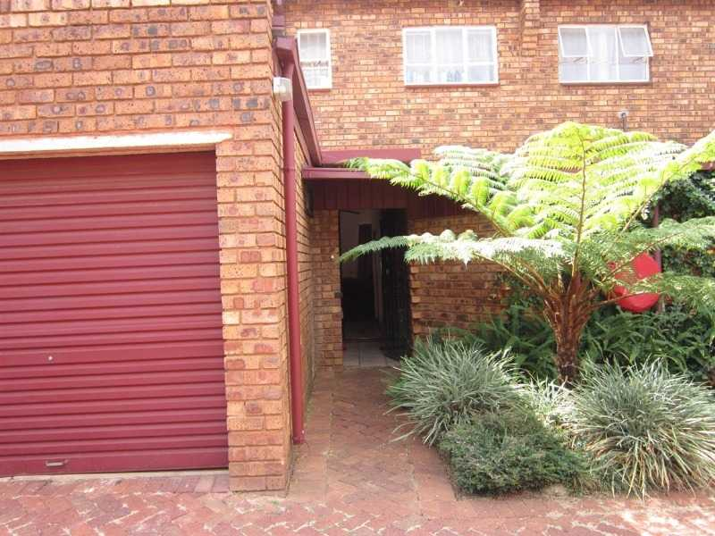 Dorandia property for sale. Ref No: 13567184. Picture no 7