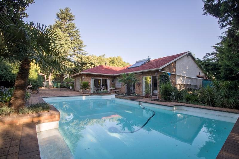 Property for Sale by Angelique De Amaral, House, 3 Bedrooms - ZAR 1,850,000