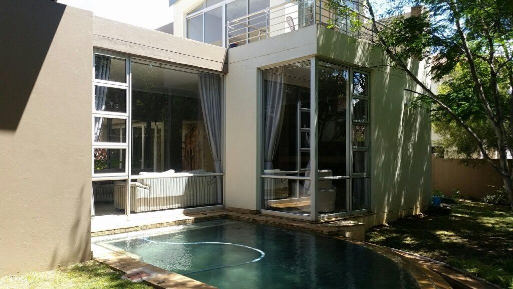 Midstream Estate property for sale. Ref No: 13589581. Picture no 2