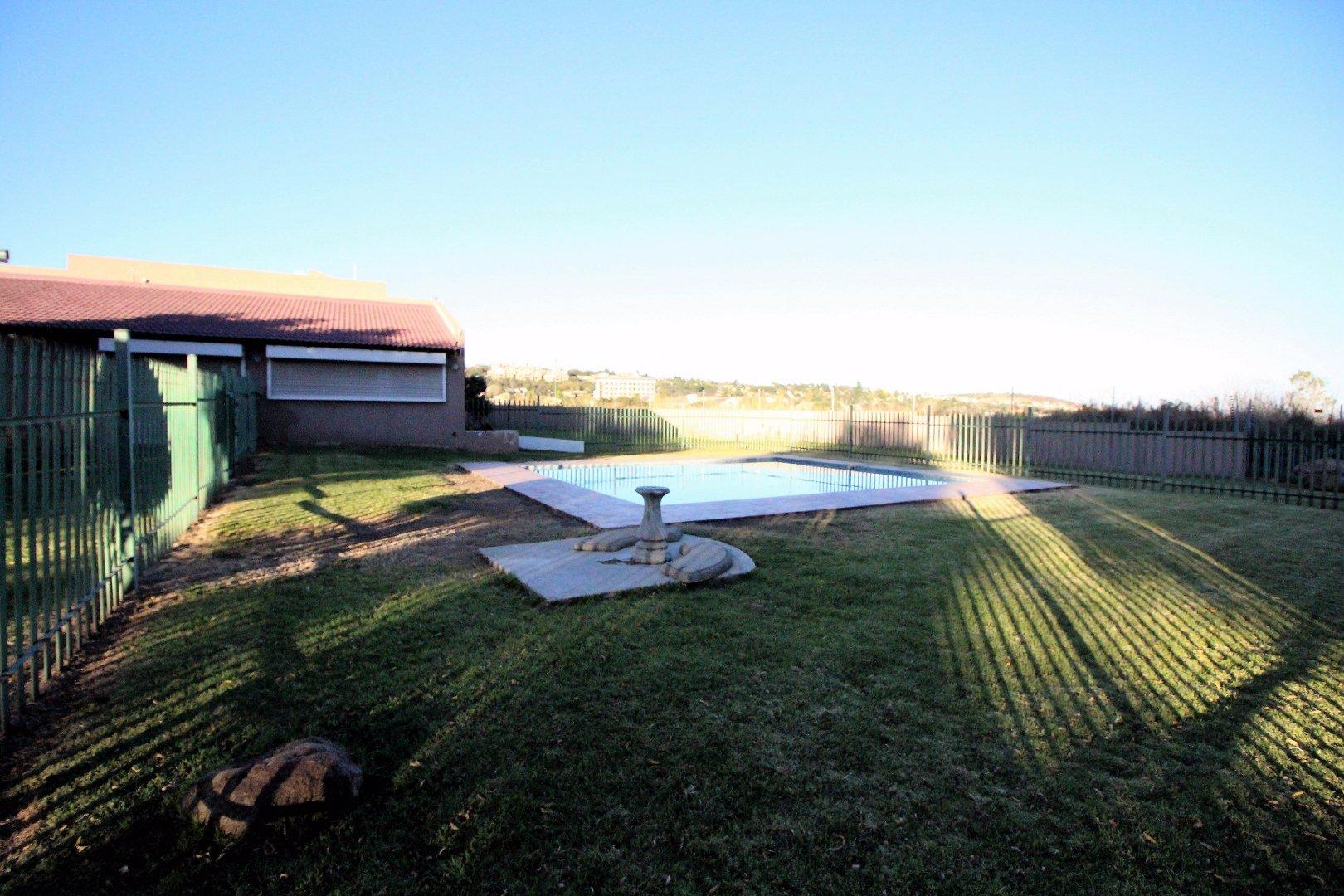 Mulbarton property for sale. Ref No: 13551868. Picture no 5