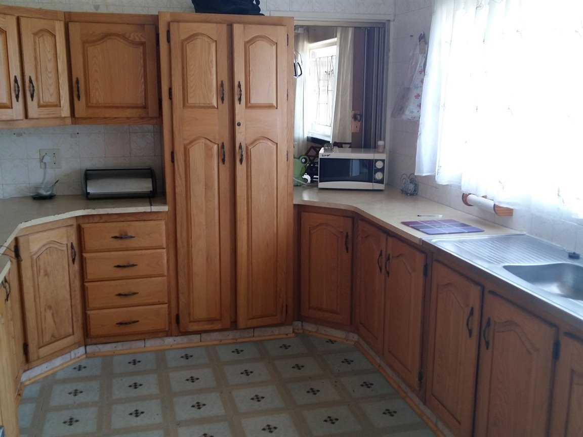 Three Rivers property for sale. Ref No: 13275837. Picture no 2