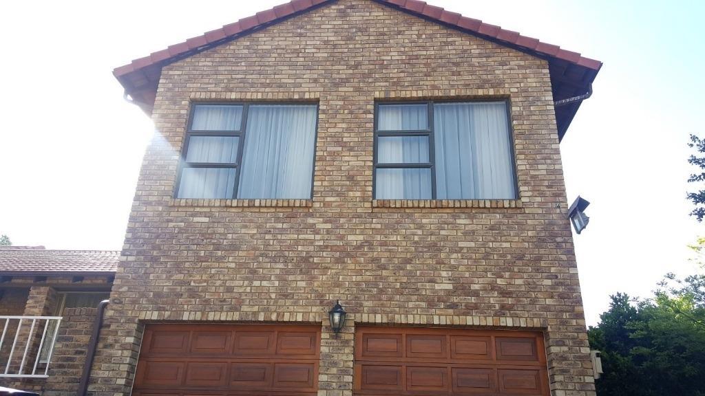 , House, 7 Bedrooms - ZAR 2,730,000