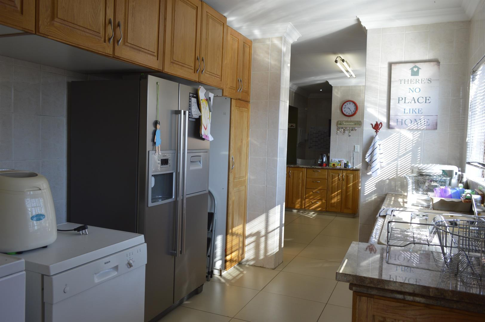 Raslouw A H property for sale. Ref No: 13442161. Picture no 7