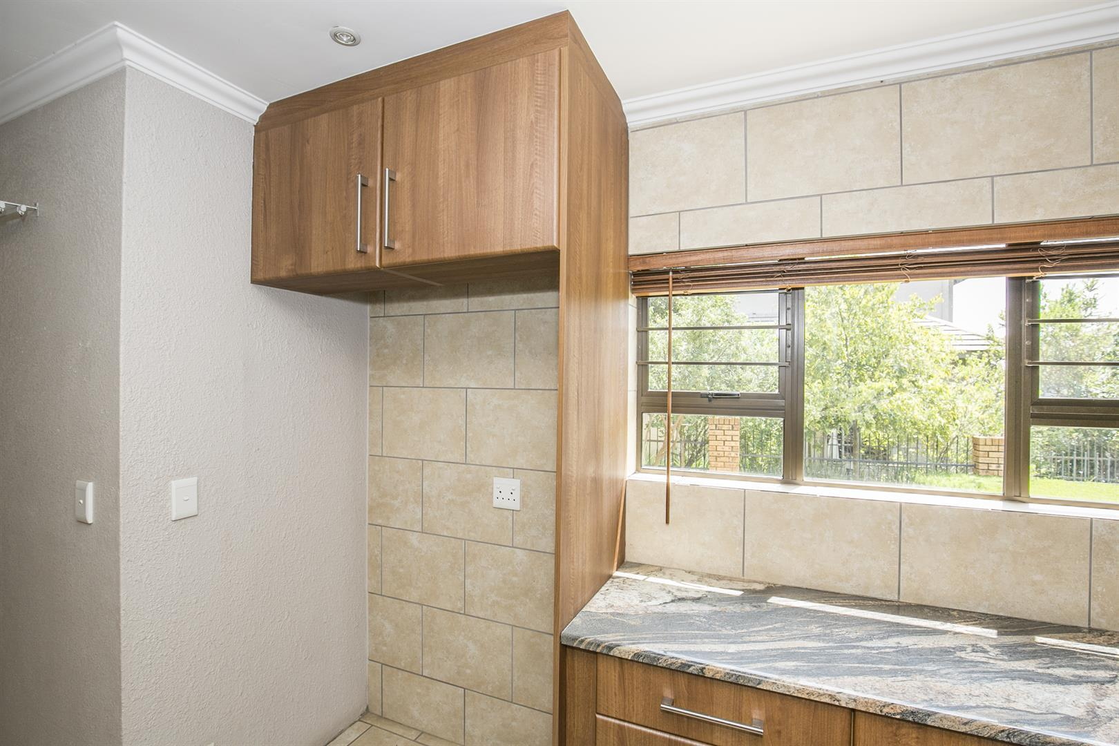 Fourways property for sale. Ref No: 13458374. Picture no 5