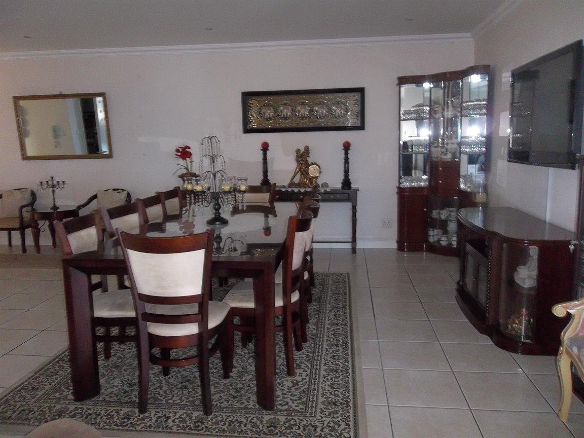 Amanzimtoti property for sale. Ref No: 13400263. Picture no 23