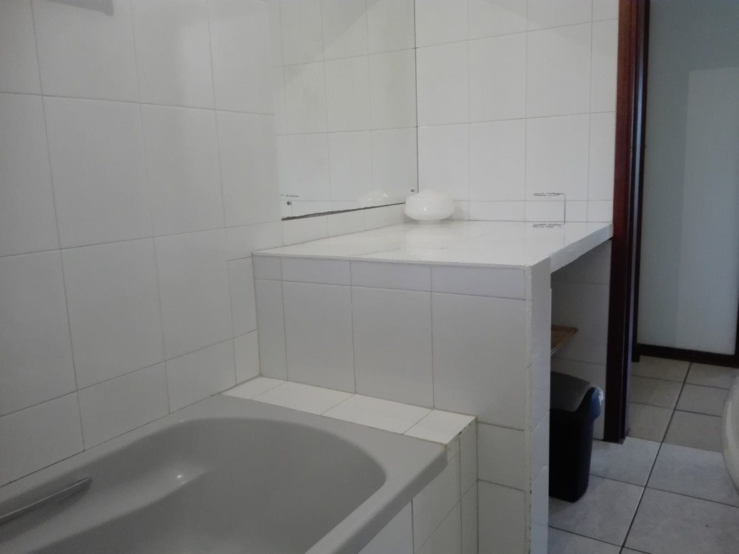 Pennington property for sale. Ref No: 13392188. Picture no 20