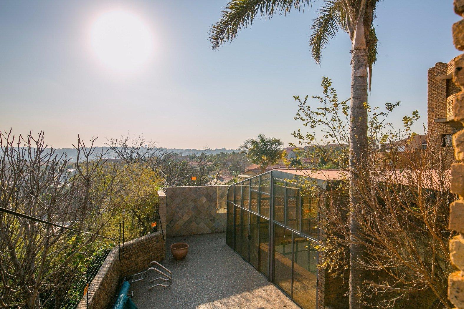 Bassonia property for sale. Ref No: 13506595. Picture no 30