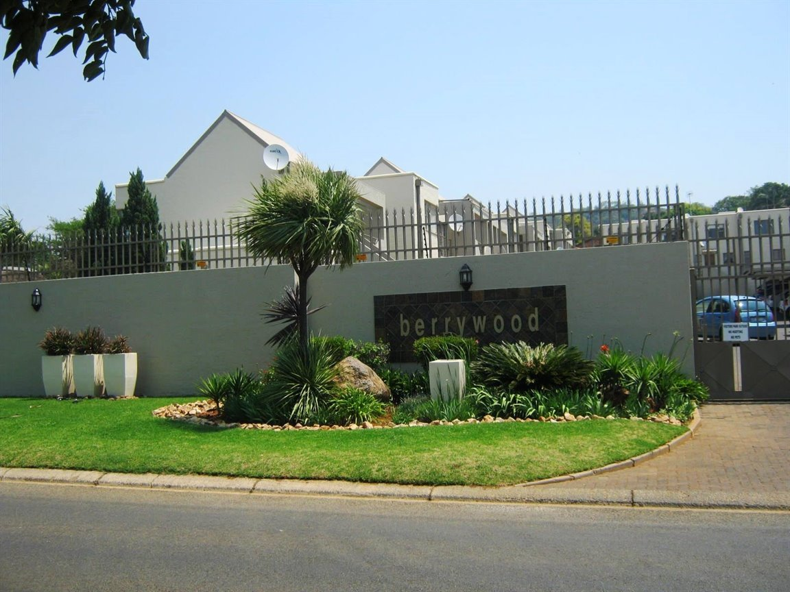 Johannesburg, Glenvista Property  | Houses To Rent Glenvista, Glenvista, Townhouse 2 bedrooms property to rent Price:,  6,00*