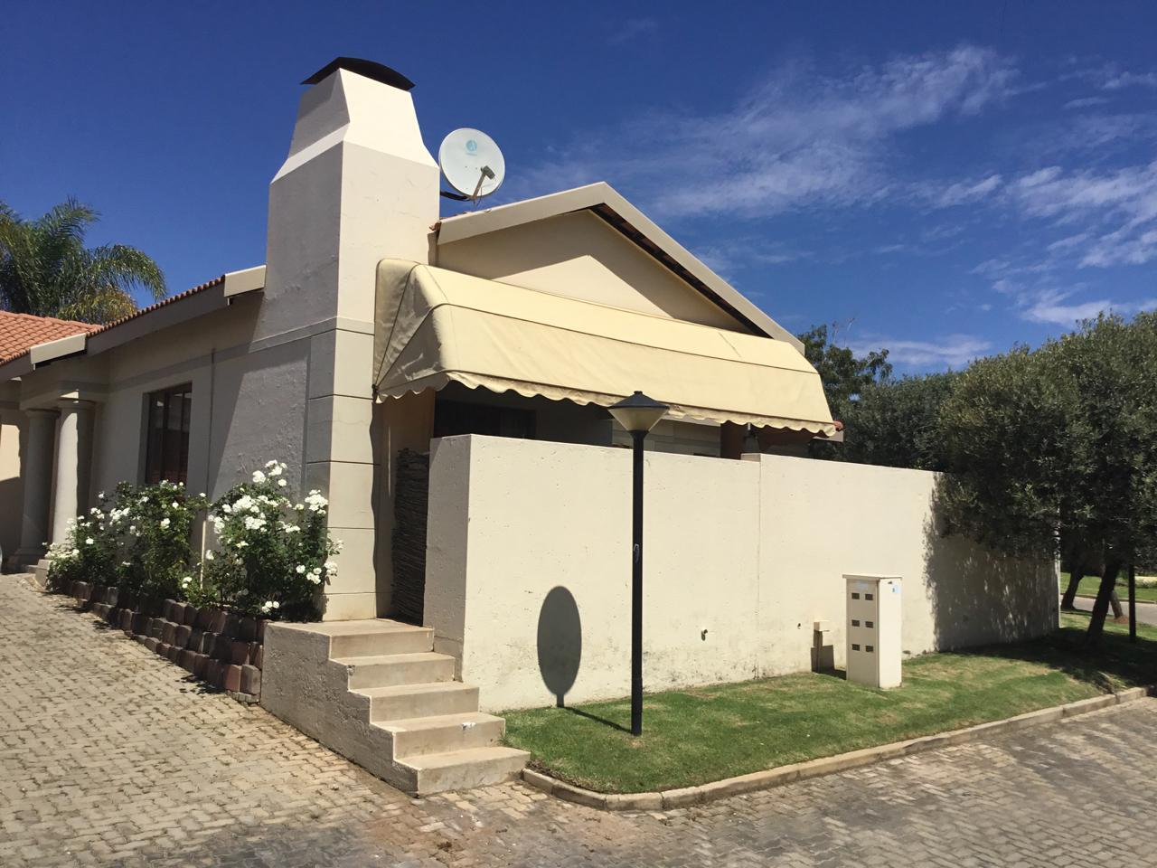 Silver Lakes Golf Estate property for sale. Ref No: 13460197. Picture no 20