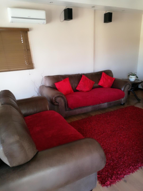 Mondeor property for sale. Ref No: 13525125. Picture no 4