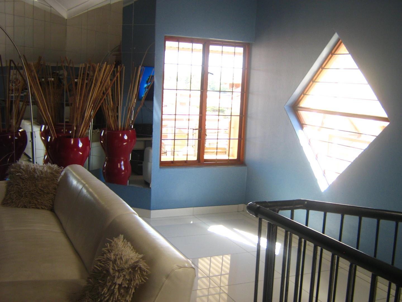 Mondeor property for sale. Ref No: 13525977. Picture no 18