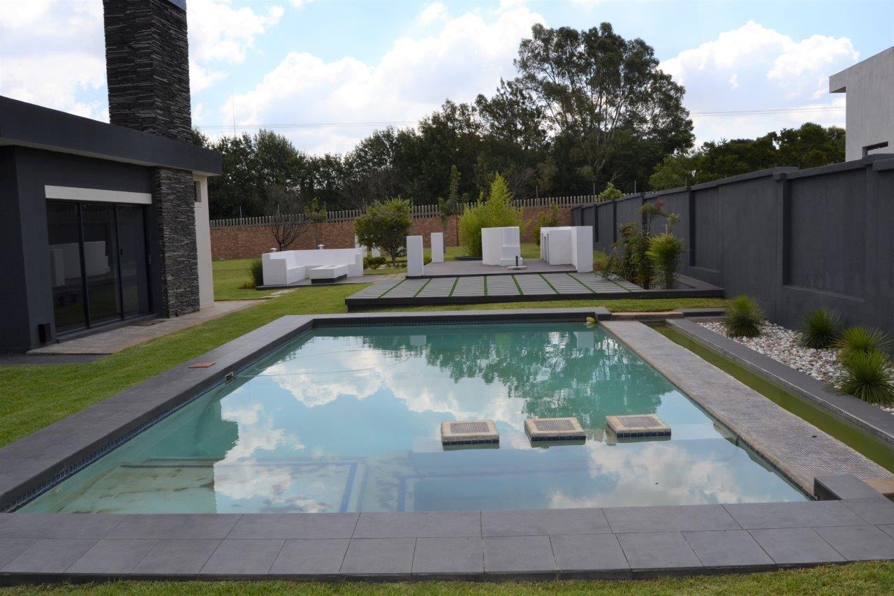 Midstream Hill Estate property for sale. Ref No: 13584239. Picture no 3
