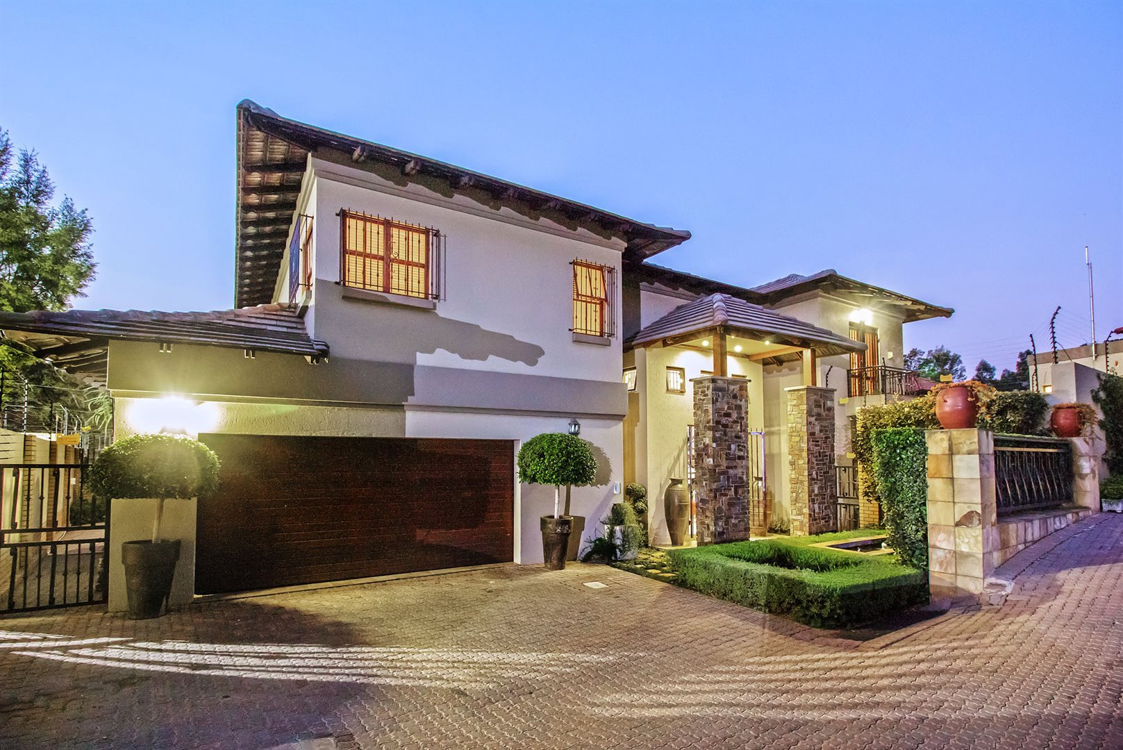 Waterkloof Ridge property for sale. Ref No: 13535230. Picture no 30